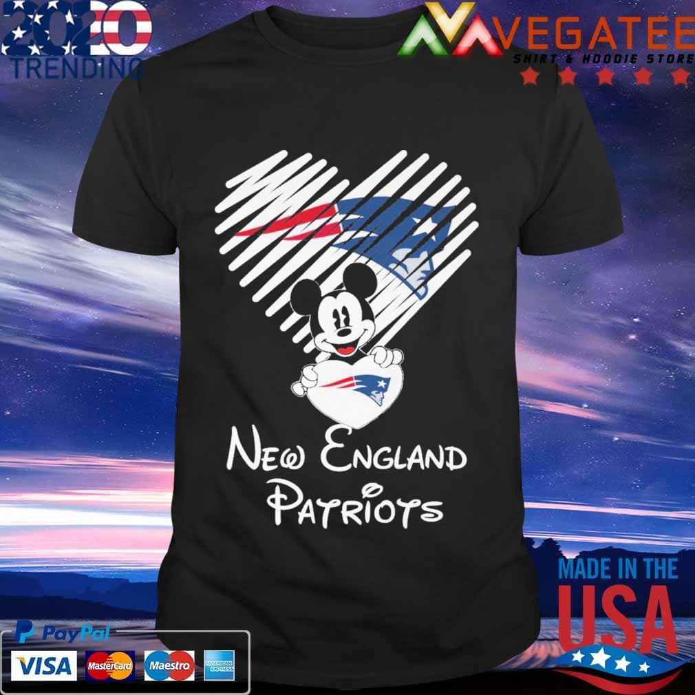 Mickey Mouse hug heart New england Patriots shirt